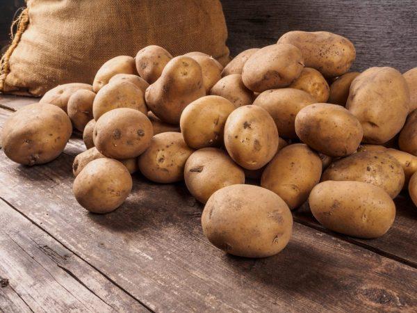 Можно ли кормить кроликов картошкой